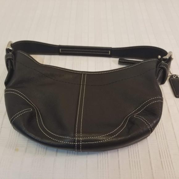 Coach Handbags - EUC. All Leather Black Coach Hobo Bag E3S-9541